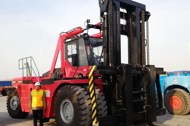 48吨搬运大叉车